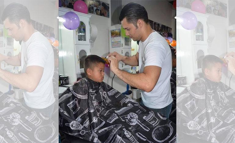 """Barberos de """"Gudos Barber Shop"""" celebran Día del Niño"""