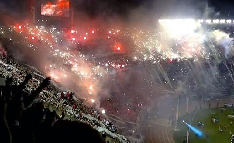 El fútbol argentino, una pasión que también condena
