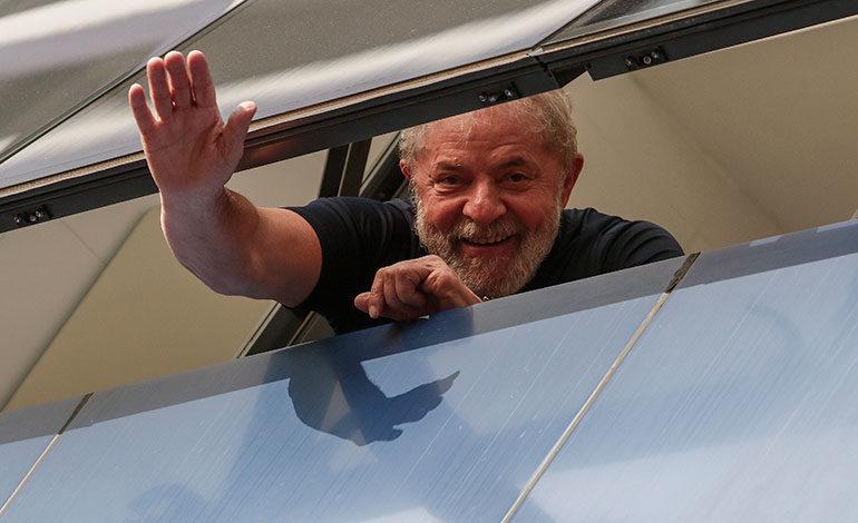 Justicia brasileña niega más plazo para reemplazar la candidatura de Lula