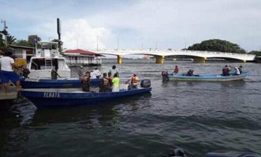 Continua la búsqueda de dos pescadores que naufragaron en Tela, Atlántida