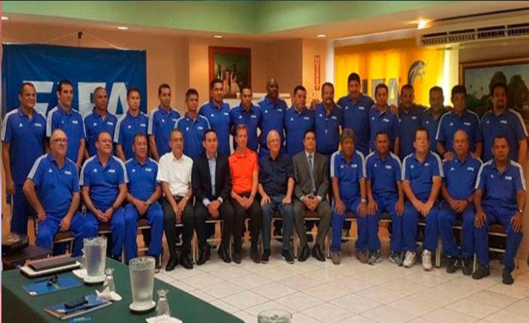 Entrenadores hondureños a curso élite de FIFA