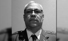 El líder militar y la familia