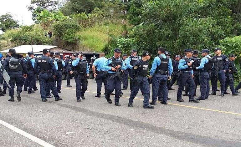 Honduras extrema control en la frontera con Guatemala para frenar a migrantes