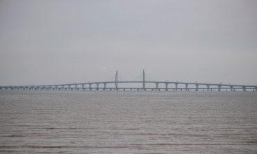 El puente sobre el mar más largo del mundo se inaugurará mañana en China