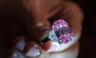 Diamante rosado es subastado por más de 50 millones (Video)