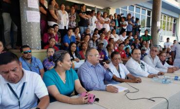 Médicos piden anular decreto que permite a la UNAH administrar el HEU