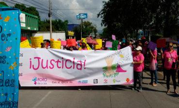 Hondureñas se movilizan contra la violencia a la mujer
