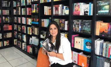 """Claudia Zablah lanza """"Revolución Metal""""; más que un libro, un """"alimento para el alma"""""""
