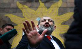 Armenios votan en elecciones parlamentarias