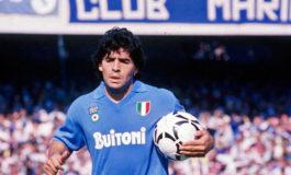 Subastada una camiseta de Maradona en Nápoles por 12.000 euros