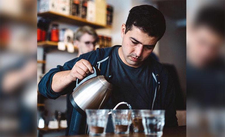 Hondureño Benjamín Paz nominado como mejor productor de café del mundo