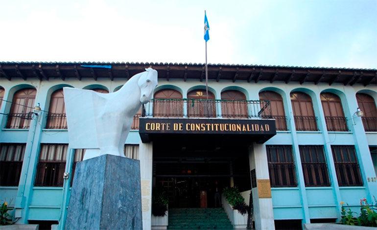 Rechazan en Guatemala denuncia del Gobierno contra jueces del Constitucional