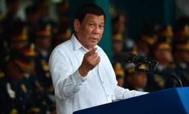 """Duterte anima a matar obispos católicos de Filipinas porque para él """"son inútiles"""""""