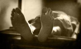 Un hombre vivió con el cadáver de su madre casi un año para cobrar su pensión