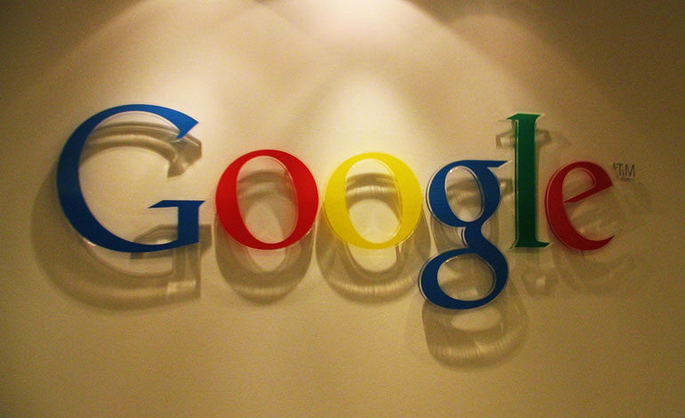 Regulador ruso multa a Google por incumplir ley que exige eliminar enlaces