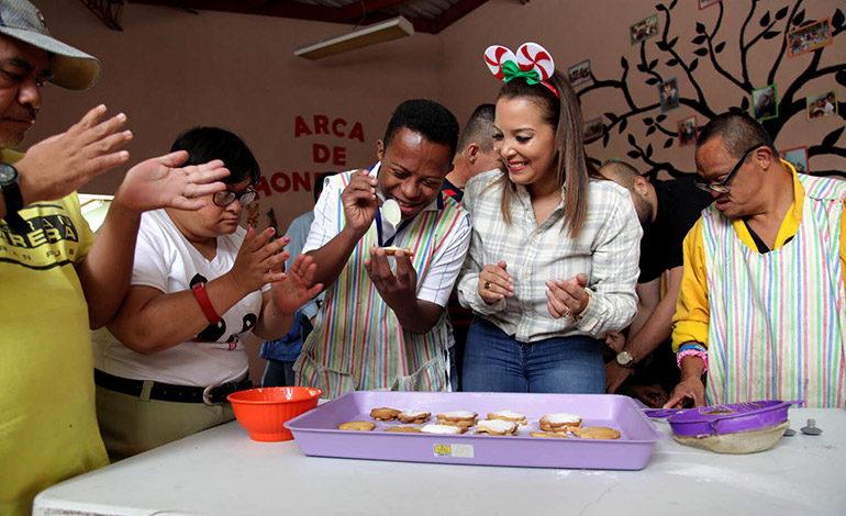 Navidad Catracha llega a centros de atención especial