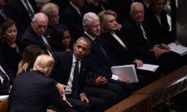 Trump saluda a Obama, pero no a Hillary Clinton, en el funeral de Bush (Video)