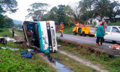 Unas seis personas heridas tras volcar bus en carretera CA-13