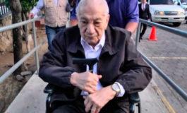 Sobreseimiento definitivo a Elvin Santos Lozano