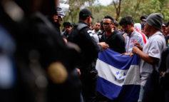 Migración reclama uso de fuerza por migrantes y solicita orden