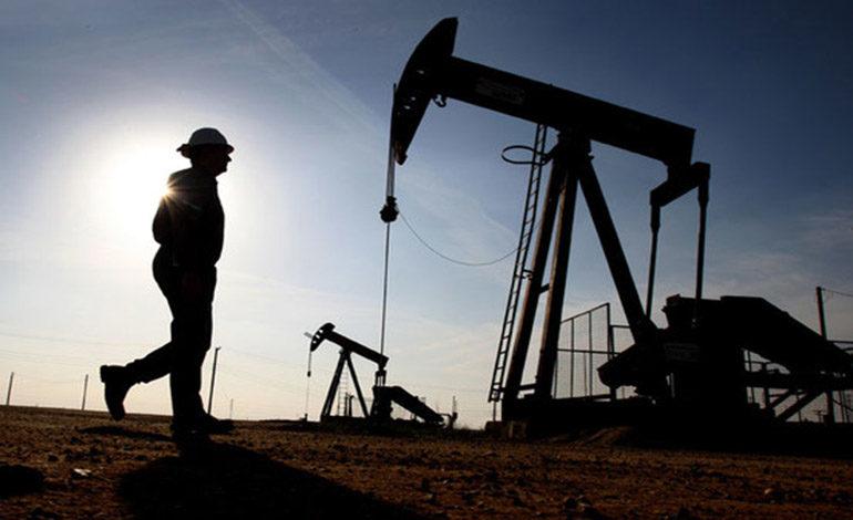 Precio del crudo cae 25% después de tres años consecutivos con alzas