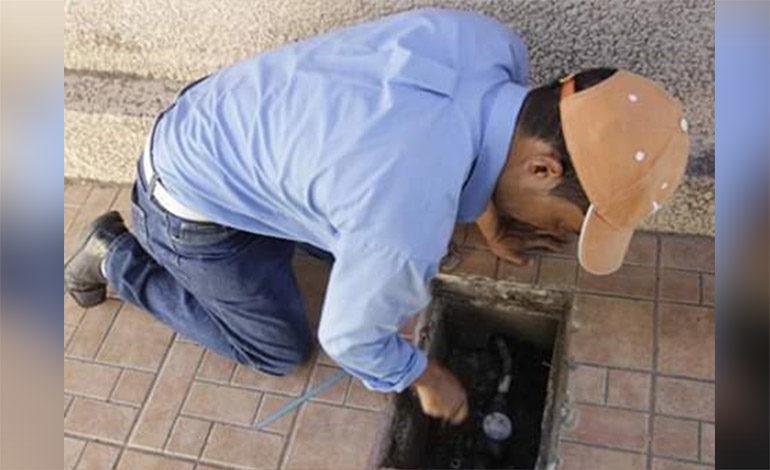 Sanaa realiza cortes del servicio de agua a morosos de varias colonias