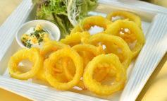 Receta de aros de cebolla con mayonesa de ajo