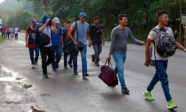 Policía de Guatemala activa plan para atender nueva caravana de migrantes hondureños