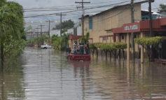 Chubascos dejaron calles y dos colonias anegadas en San pedro Sula