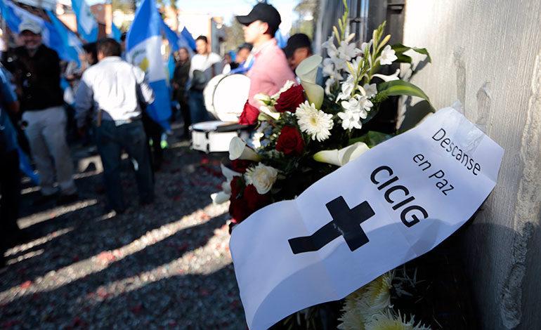 Policía cerca el Congreso donde el presidente de Guatemala presentará informe