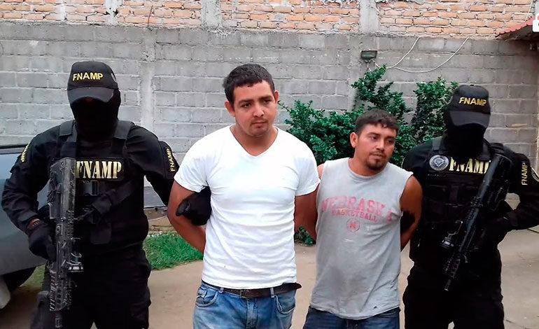 """Caen dos supuestos miembros de la banda """"Los Espinoza"""""""
