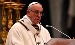 """El papa promete que la Iglesia combatirá la pederastia, """"uno de los peores y más viles crímenes"""""""