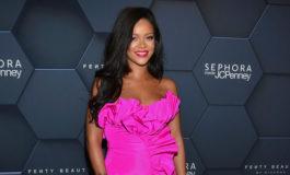 Rihanna demanda a su padre
