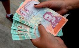 Maduro aumenta 300% salario mínimo en Venezuela