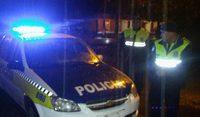 Policia noche 954x556