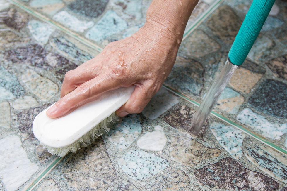 How to seal floor tile