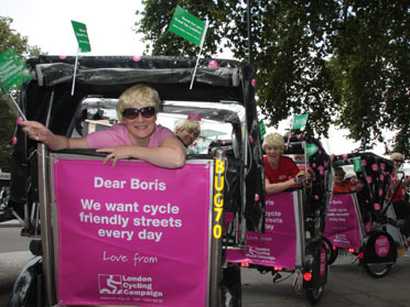 LCC volunteers send Boris Johnson a message at Freewheel 2008