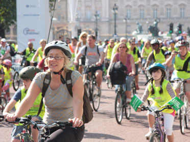 A few of the thousands of cyclists who attended Freewheel 2008