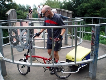 A single wheel trailer on a folding bike Credit: Pollards Hill Cyclists