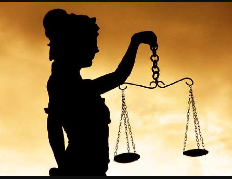 La justicia es la balanza que se inclina a tu favor