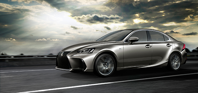 La Lexus IS restylée s'affiche au Salon de l'auto de Pékin