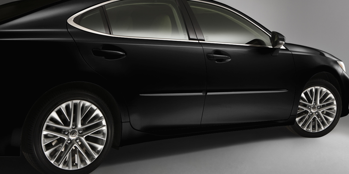 2017 Lexus ES Body Side Moulding