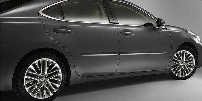 2018 Lexus ES Body Side Moulding