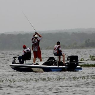 High school fishing tournament offering scholarships for Fishing sam rayburn