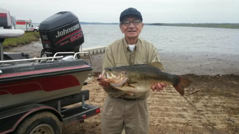 84 year old catches lb bass for Toledo bend fishing