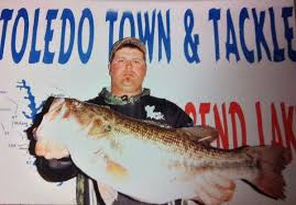 Hymel lands bass out of toledo bend for Toledo bend fishing report