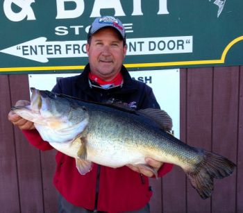 Fishing guide lands lb bass for Toledo bend fishing reports