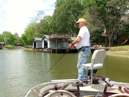 Mean extreme fishing guide service cedar creek lake for Cedar creek lake fishing