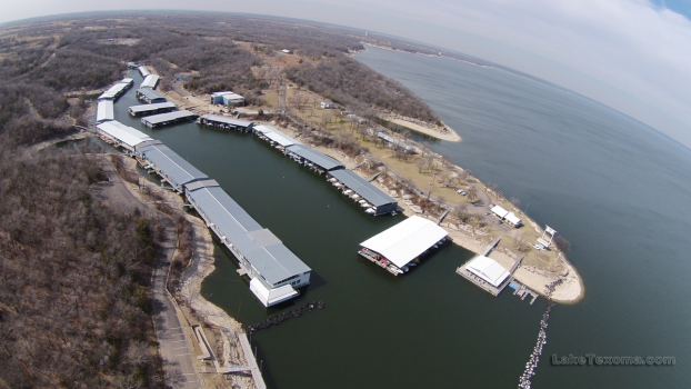 Eisenhower Yacht Club at Lake Texoma