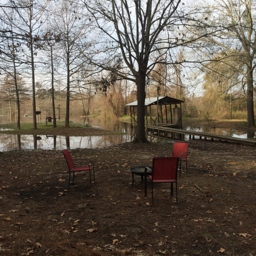 Cabin in the woods on the lake toledo bend lake vacation for Bend cabin rentals